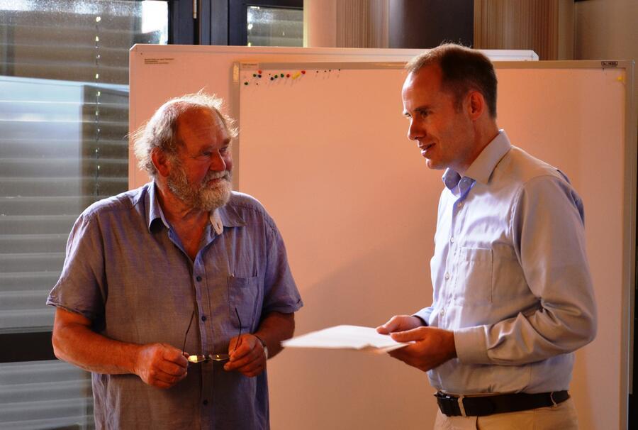 Hr. Neumann und Landrat Dr. Mager (v. li)